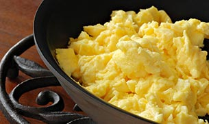 Fluffy Scrambled Eggs with Whey Protein